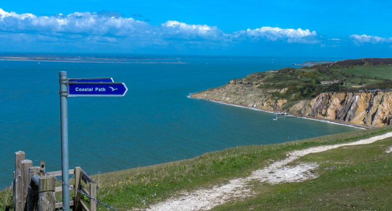 Coastal scenery between Yarmouth and Freshwater Bay