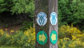 Rob Roy Way signpost