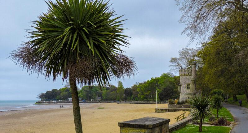 Picturesque scenery between Sandown and Ryde