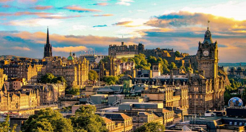 Discover the historic city of Edinburgh