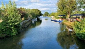 The Thames Path approaching Abingdon-on-Thames