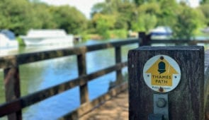 Signpost on the Thames Path