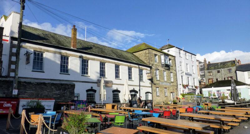 Falmouth harbour restaurants