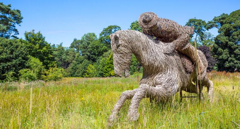 Wicker statue of Tam-O-Shanter