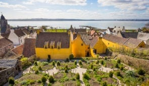 Culross - filming location for the fictional village of Crainsmuir