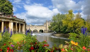 River Avon in Bath looking towards Pulteney Bridge